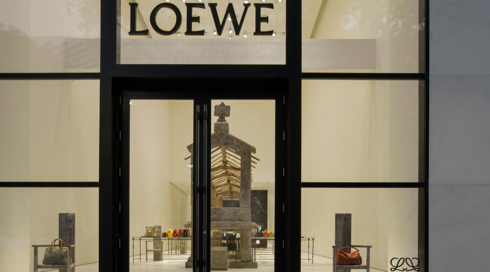 377_loewe-opens-its-first-us-store-in-the-miami-design-district_4208
