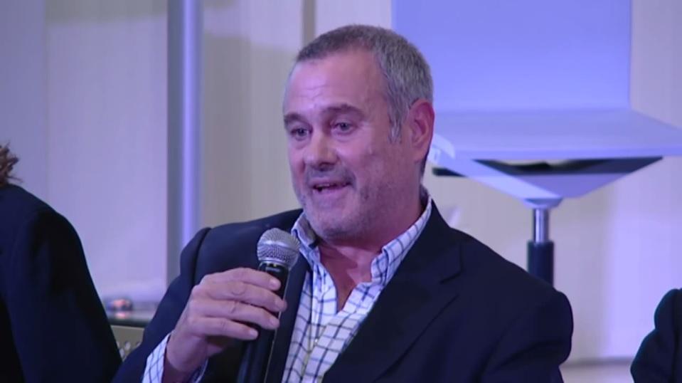Presentacion-del-libro-Desnudando-el-alma-del-directivo de Jorge Salinas Presidente de Atesora Group como coautor