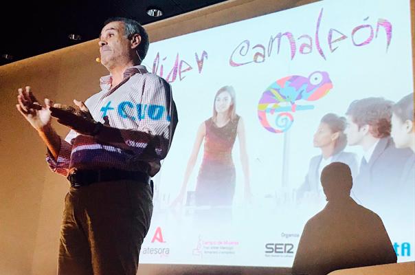 Jorge-Salinas-en-el-II-Foro-Nacional-de-liderazgo-femenino-y-empresa